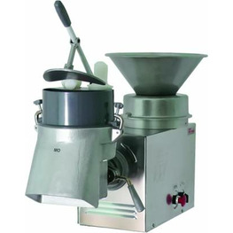 Овощерезательно-протирочная машина  УКМ-11(ОМ-300)